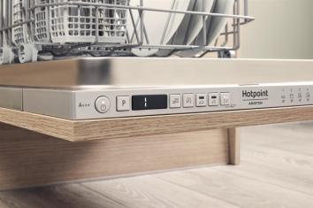 Hotpoint-Ariston HSIO 3O35 WFE